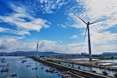 "La primera turbina eólica offshore de 8 MW de China con tecnología ""black start"" (PRNewsfoto/Shanghai Electric)"