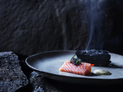Hiddenfjord is a global pioneer of stress-free harvesting in the open seas around the Faroe Islands, preserving their salmon's great taste and firm texture. No antibiotics or hormones are used, and all Hiddenfjord Atlantic salmon products are GLOBALG.A.P-certified.