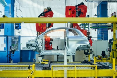 Comau's robots for new electric FIAT 500