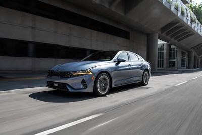 Kia K5 recibe el premio People's Car Award de CarBuzz. (PRNewsfoto/Kia Motors America)
